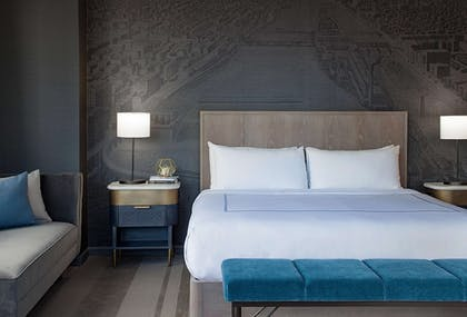 Room   The Marquette Hotel, Curio Collection by Hilton