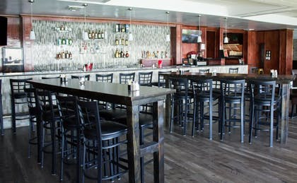 Hotel Bar | Best Western Plus Lake Front Hotel