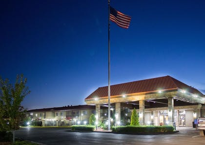 Featured Image   Best Western Plus Lake Front Hotel