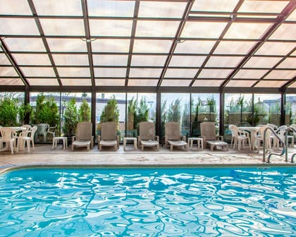 Pool | Quality Inn & Suites Orland Park - Chicago