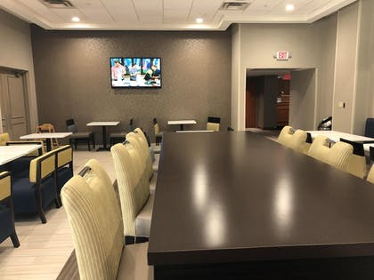 Breakfast Area | Best Western Plus Chelmsford Inn