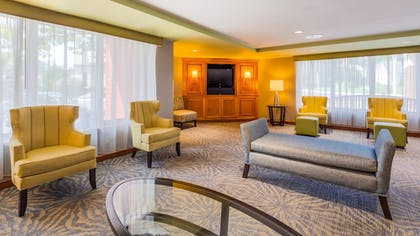 Lobby | Best Western Plus Chelmsford Inn