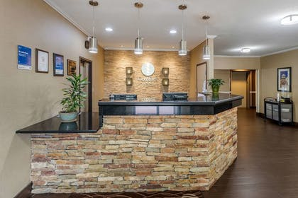 Lobby | Comfort Inn Moline - Quad Cities