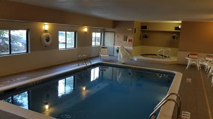 Indoor Spa Tub | Comfort Inn Moline - Quad Cities