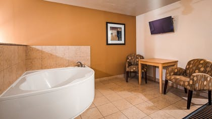 | Suite, 1 Queen Bed, Non Smoking, Refrigerator & Microwave (Oversized Room) | Best Western Plus Executive Inn & Suites