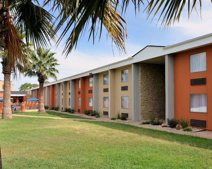 Featured Image   Rodeway Inn & Suites Downtown North