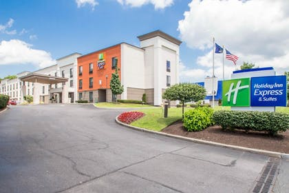 Exterior | Holiday Inn Express and Suites Albany Airport- Wolf Road