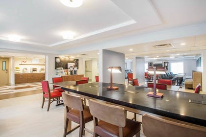 Restaurant | Holiday Inn Express and Suites Albany Airport- Wolf Road