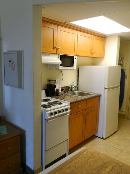 In-Room Kitchenette | Tropical Winds Oceanfront Hotel
