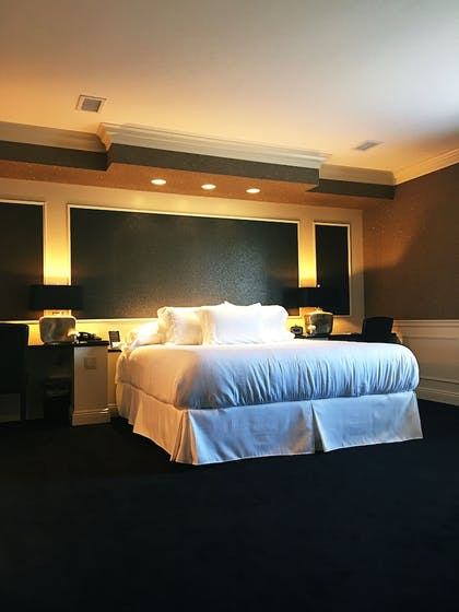 Guestroom | The Avalon Inn and Resort