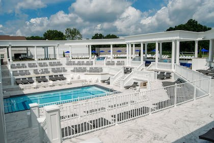 Outdoor Pool | The Avalon Inn and Resort