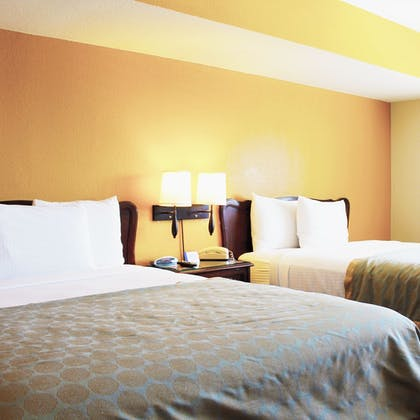 Guestroom | Governors Inn Hotel