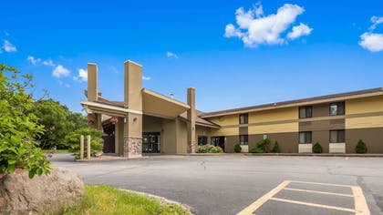 Exterior | SureStay Plus Hotel by Best Western Black River Falls