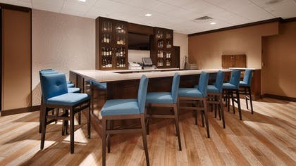 Hotel Bar | Best Western Plus Kingston Hotel And Conference Center