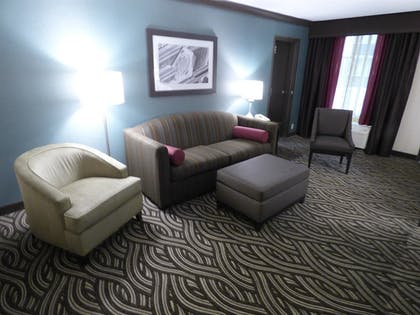 Guestroom | Best Western Plus Kingston Hotel And Conference Center