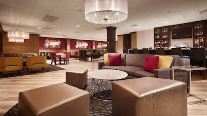 Lobby Sitting Area | Best Western Plus Kingston Hotel And Conference Center