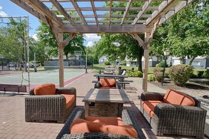 Terrace/Patio | Albany Airport Inn and Suites