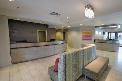 Lobby | Albany Airport Inn and Suites