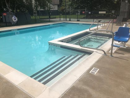 Pool | Albany Airport Inn and Suites