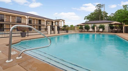 Pool | Best Western Andalusia Inn