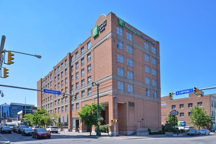 Featured Image | Holiday Inn Express & Suites Buffalo Downtown - Medical CTR