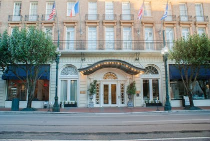 Featured Image | Lafayette Hotel