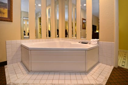 Jetted Tub | Best Western Plus Coach House