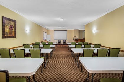 Meeting Facility | Baymont by Wyndham Tehachapi