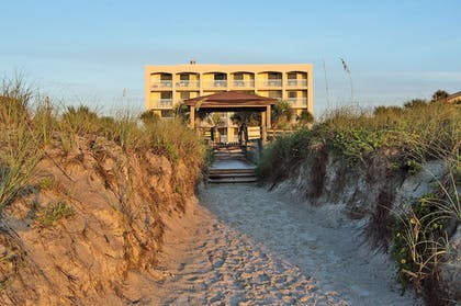 Property Grounds | Guy Harvey Resort on St Augustine Beach