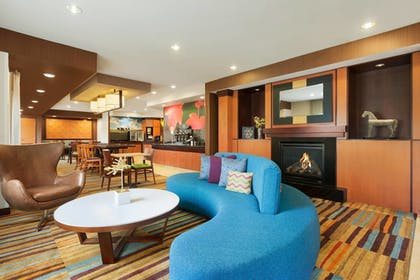 Lobby | Fairfield Inn & Suites Omaha East/Council Bluffs, IA