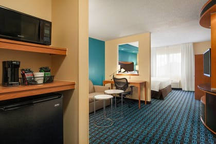 Guestroom | Fairfield Inn & Suites Omaha East/Council Bluffs, IA