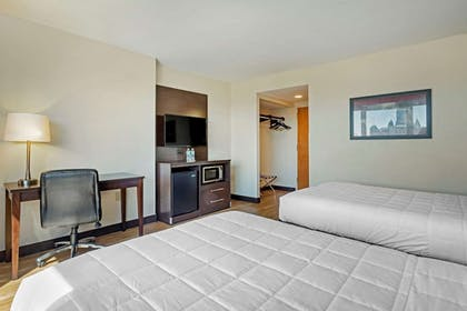 Room | The Capitol Hotel, an Ascend Hotel Collection Member