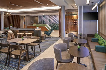 Hotel Bar | SpringHill Suites by Marriott East Lansing University Area