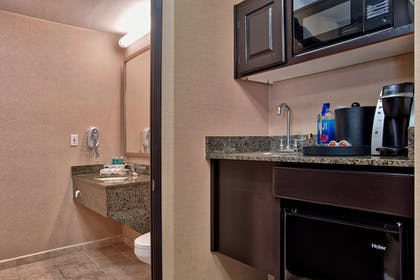 In-Room Kitchenette | Holiday Inn Express Costa Mesa