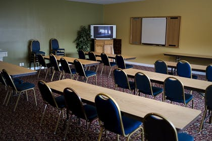 Meeting Facility | Bend Three Sisters Inn & Suites