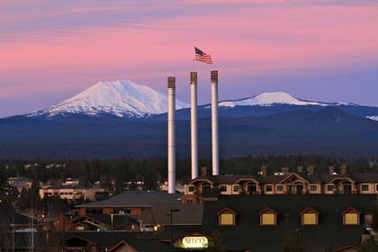 Point of Interest | Bend Three Sisters Inn & Suites