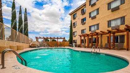 Outdoor Pool | Best Western Plus At Lake Powell