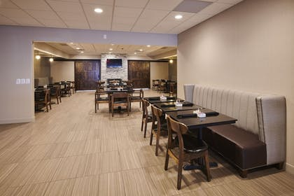 Restaurant | Four Points by Sheraton Cleveland-Eastlake