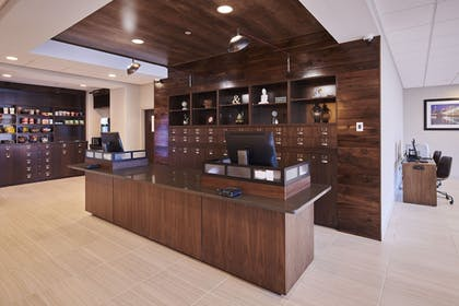 Lobby | Four Points by Sheraton Cleveland-Eastlake