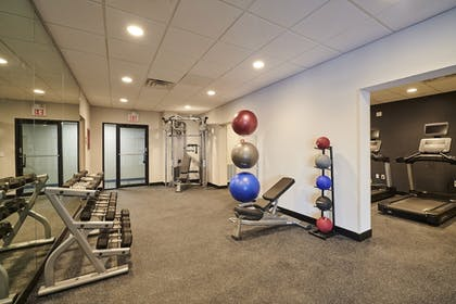 Sports Facility | Four Points by Sheraton Cleveland-Eastlake