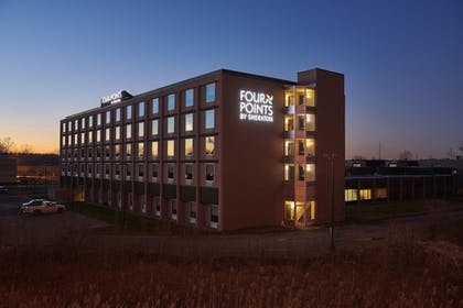 Exterior | Four Points by Sheraton Cleveland-Eastlake