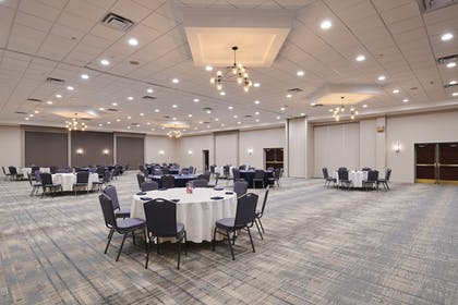 Meeting Facility | Four Points by Sheraton Cleveland-Eastlake