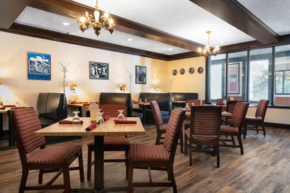 Breakfast Area | Ramada by Wyndham Albert Lea