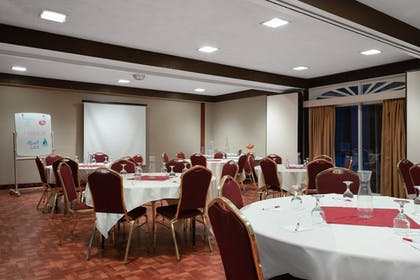 Meeting Facility | Ramada by Wyndham Albert Lea