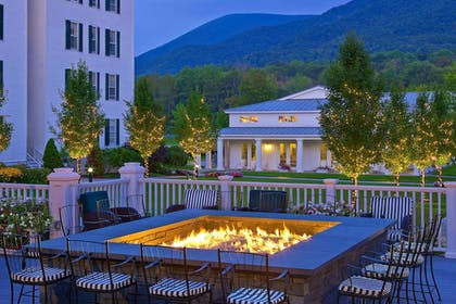 Hotel Bar | The Equinox, a Luxury Collection Golf Resort & Spa, Vermont