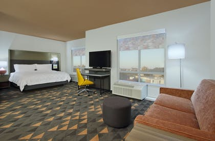 | Suite, 1 King Bed, Non Smoking | Holiday Inn Hattiesburg - North