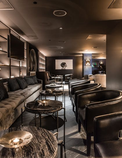 Library | The Mayfair Hotel Los Angeles