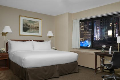 Room | The Manhattan at Times Square Hotel