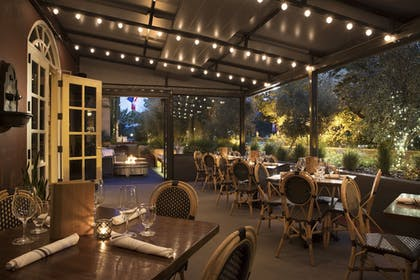 Outdoor Dining | Lafayette Park Hotel & Spa