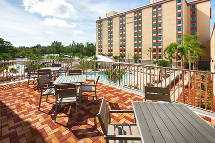 Courtyard | Red Lion Hotel Orlando Lake Buena Vista South